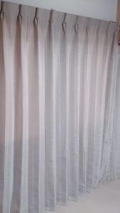 ドレープカーテン隙間塞ぎ