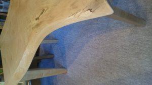 北海道産・カバ材テーブル 側面