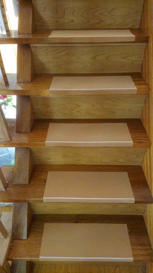 階段シート貼った後